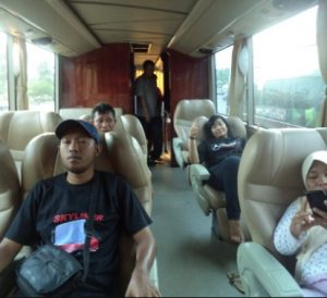 Interior Bus Sumber Alam