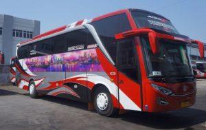 Bus Pariwisata Bhinneka Sangkuriang