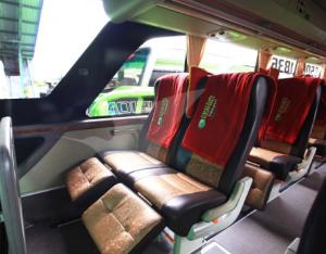 Interior Bus Gunung Harta Surabaya Bali